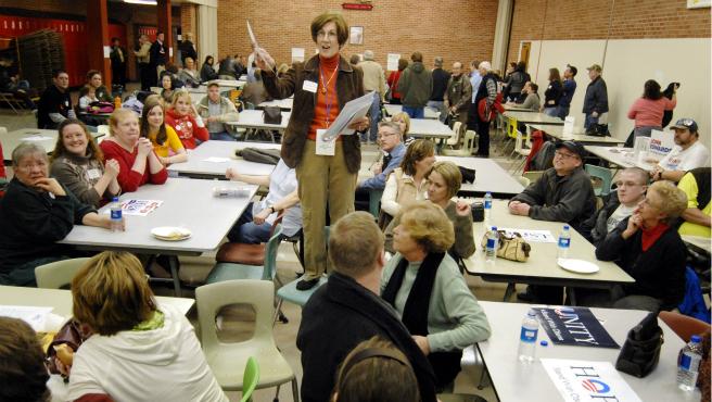 AP Iowa Caucus 2008 crop_271843