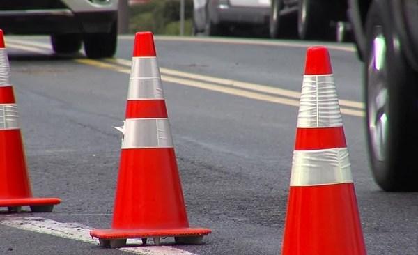 road_construction_orange_cones_314011