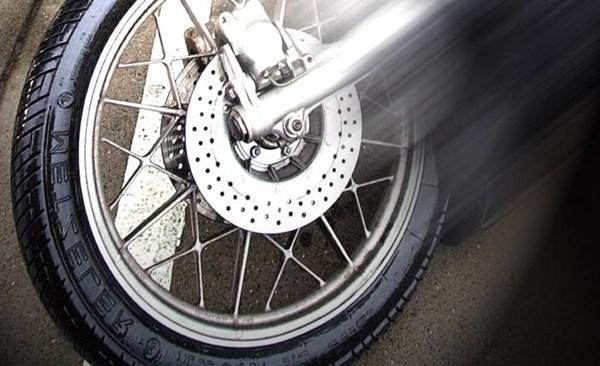 motorcycle crash_320806