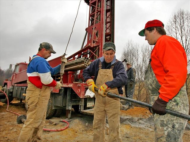 gas-drillers_433552