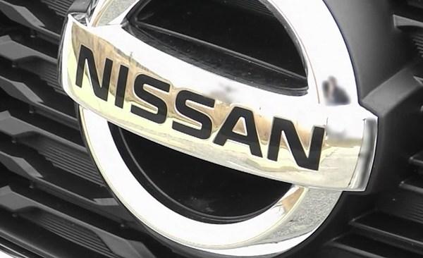 nissan_451329