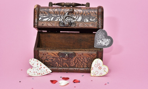 treasure-hunt-valentines-day-gift_1517261660650_337717_ver1-0_32896335_ver1-0_640_360_692531