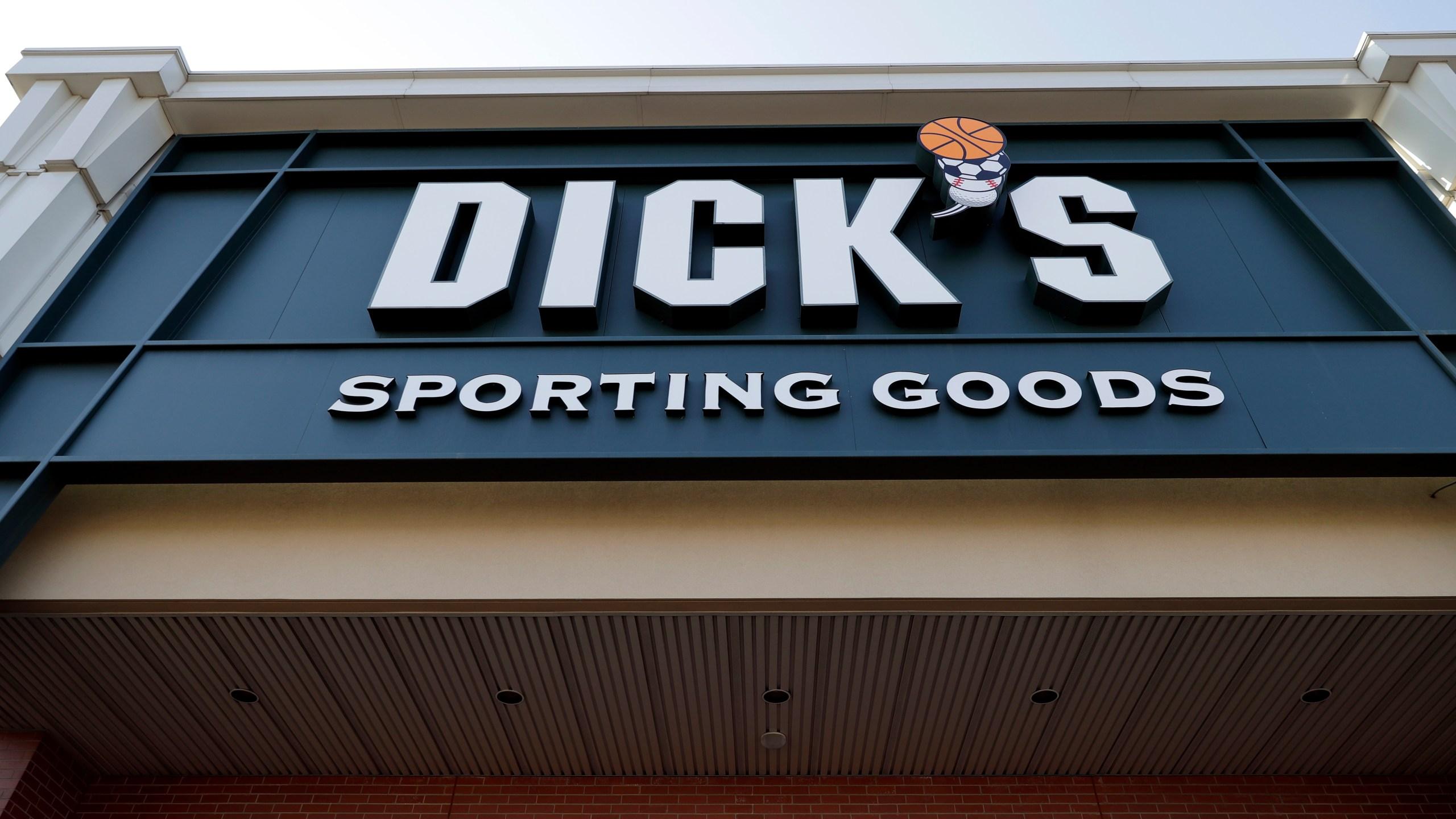 Dicks Rifle Sales_712035