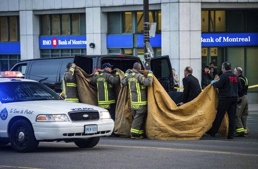 Canada Van Hits Pedestrians_1524575219420