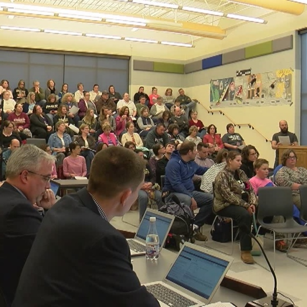 Halifax_parents_demand_answers_from_scho_0_20180420072431