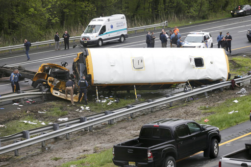 School Bus Dump Truck Crash_1526659589427