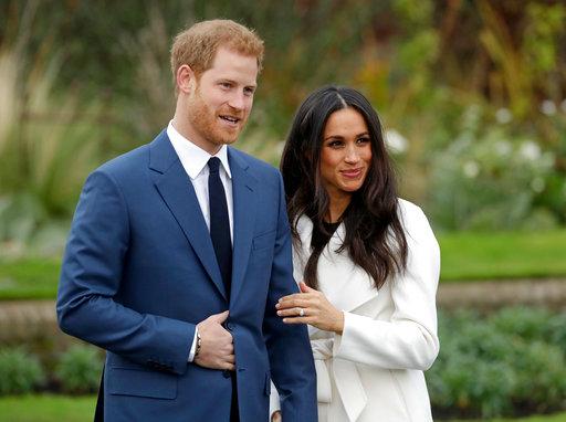 Britain Royal Wedding The Dress_1526335944602