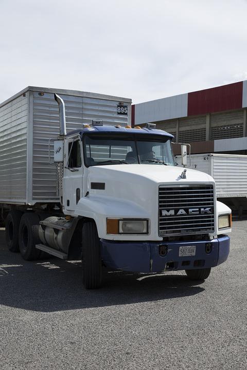 truck-711701_960_720_1527723140162.jpg