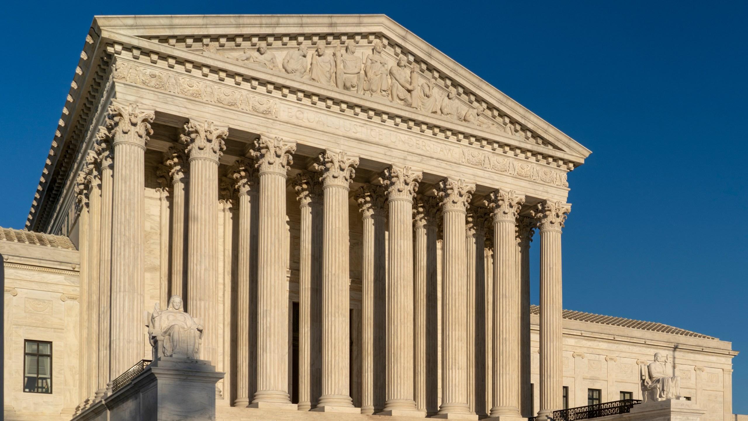 Supreme_Court_Travel_Ban_40039-159532.jpg76519734