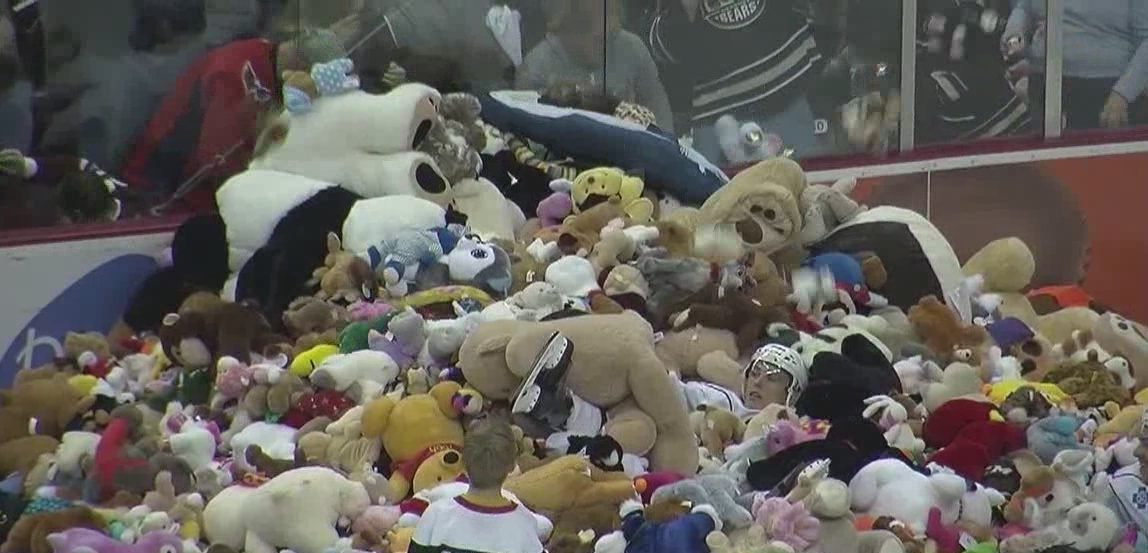 Hershey Bears set Teddy Bear Toss world record, beat Binghamton