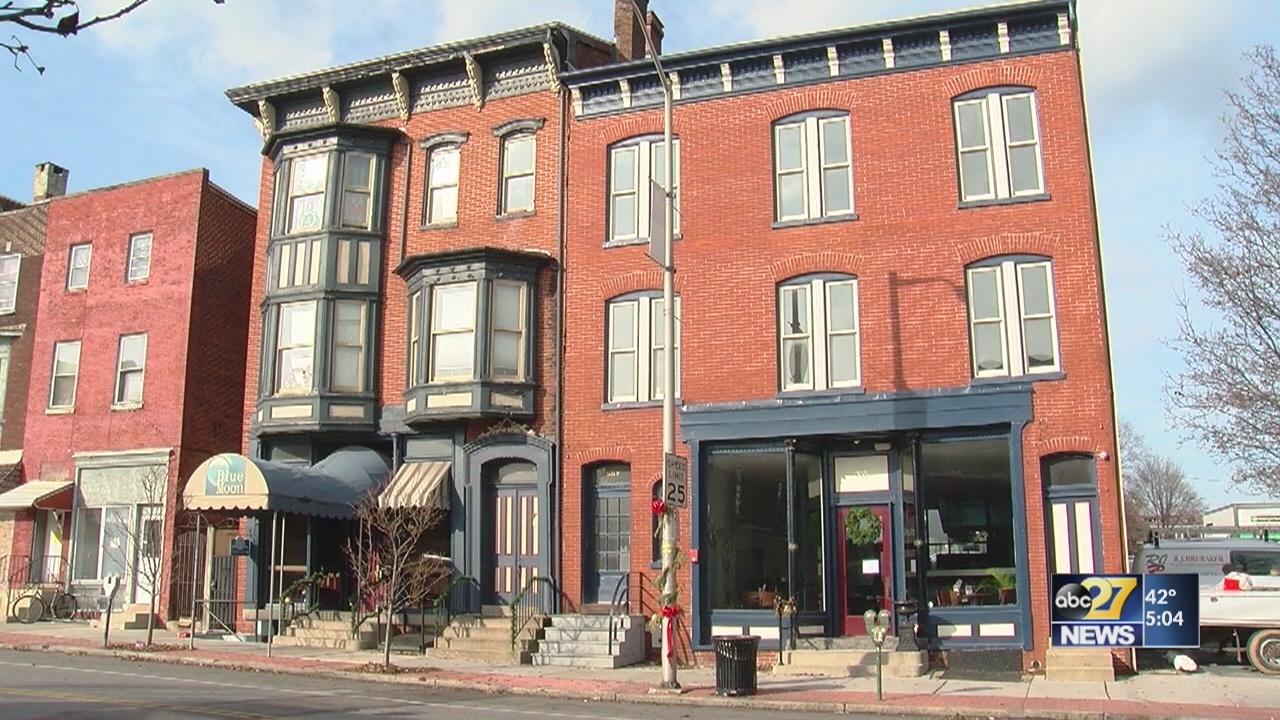 York Blue Moon restaurant closes abruptly