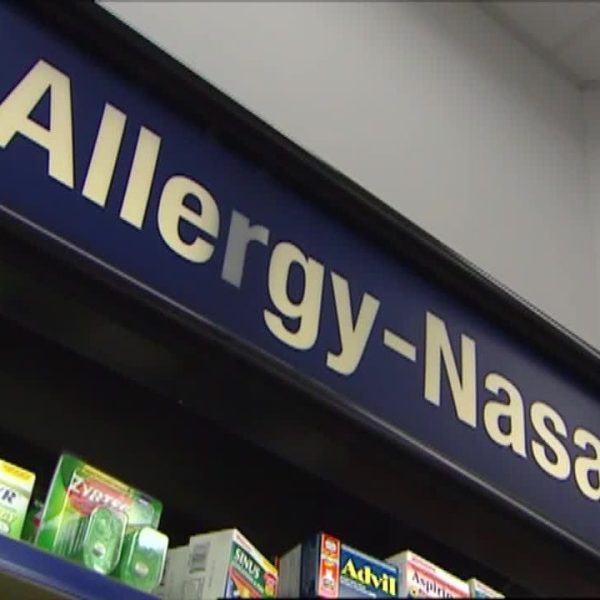 Doctor says that people who suffer from seasonal allergies can minimize their discomfort