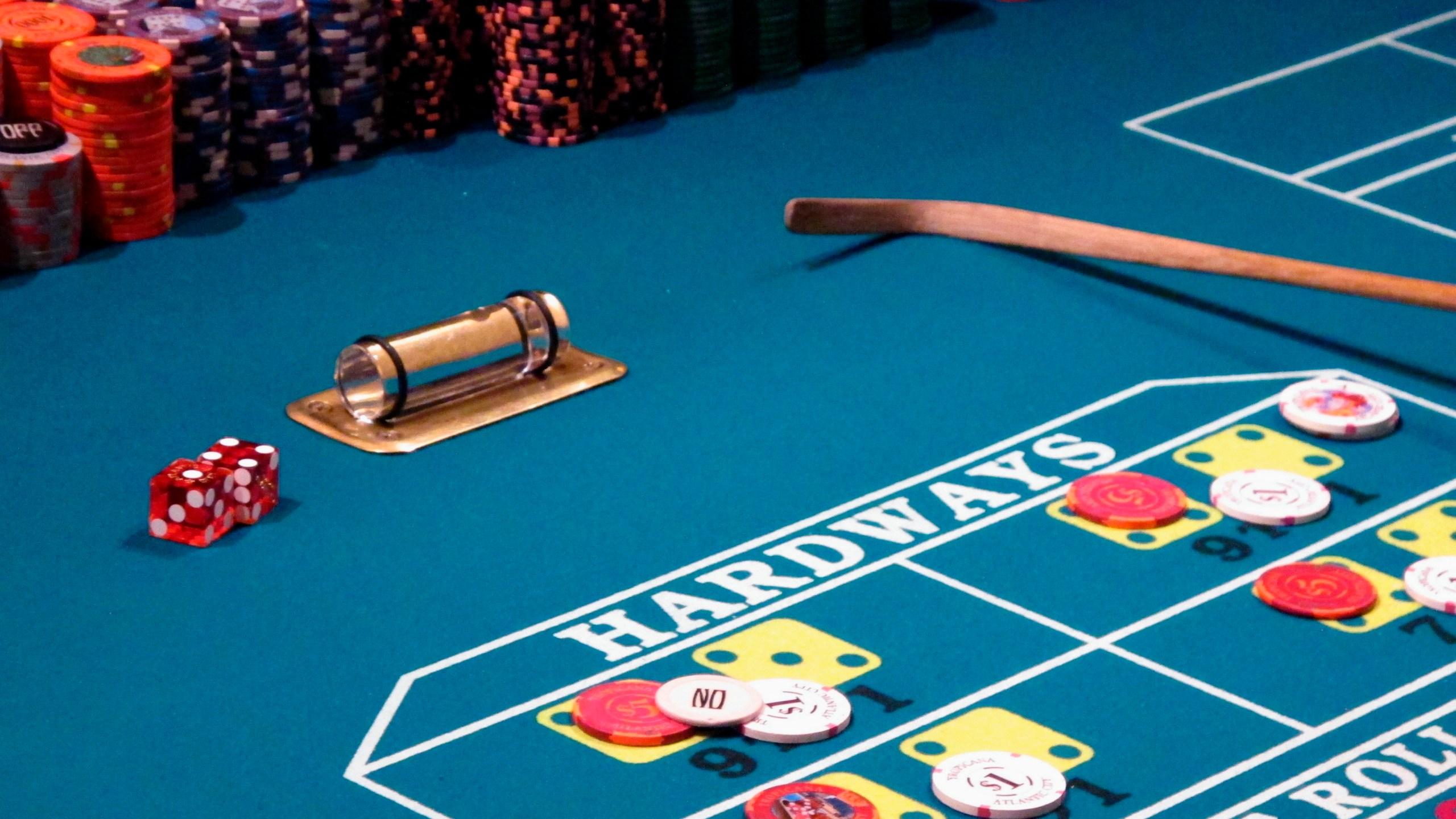 Earns_Atlantic_City_Casinos_94130-159532.jpg17755433