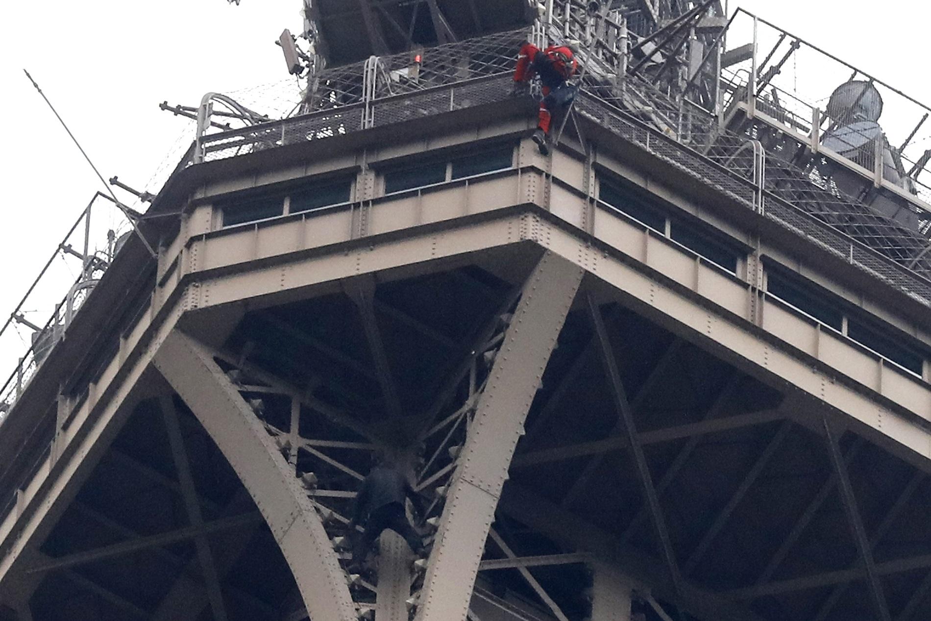 France Eiffel Tower_1558363817830
