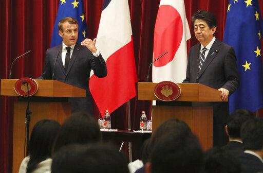 Emmanuel Macron, Shinzo Abe