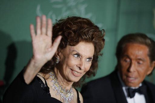 Sophia Loren, Valentino Garavani