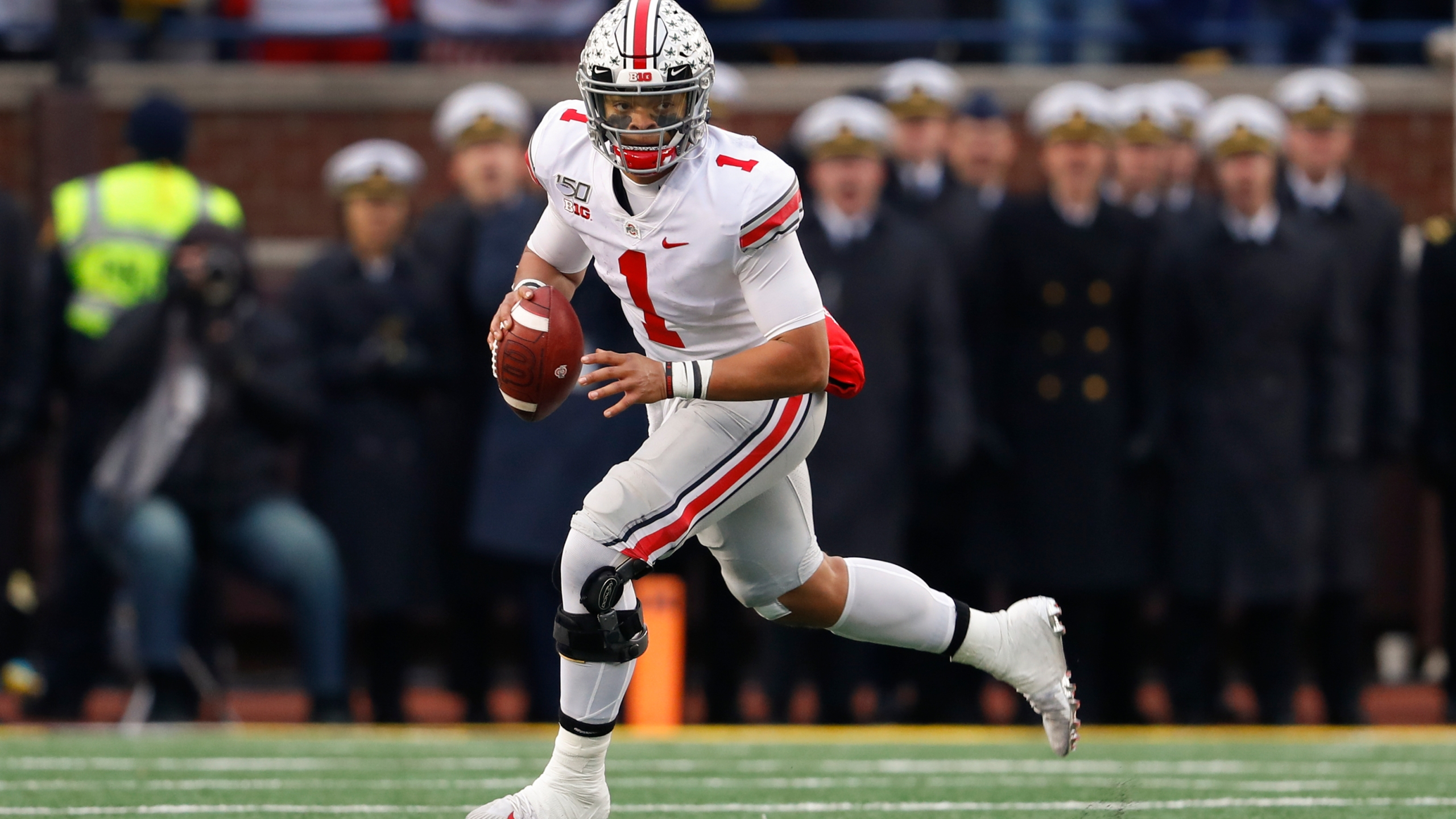 No 2 Ohio St Chases Playoff Spot Against No 10 Wisconsin