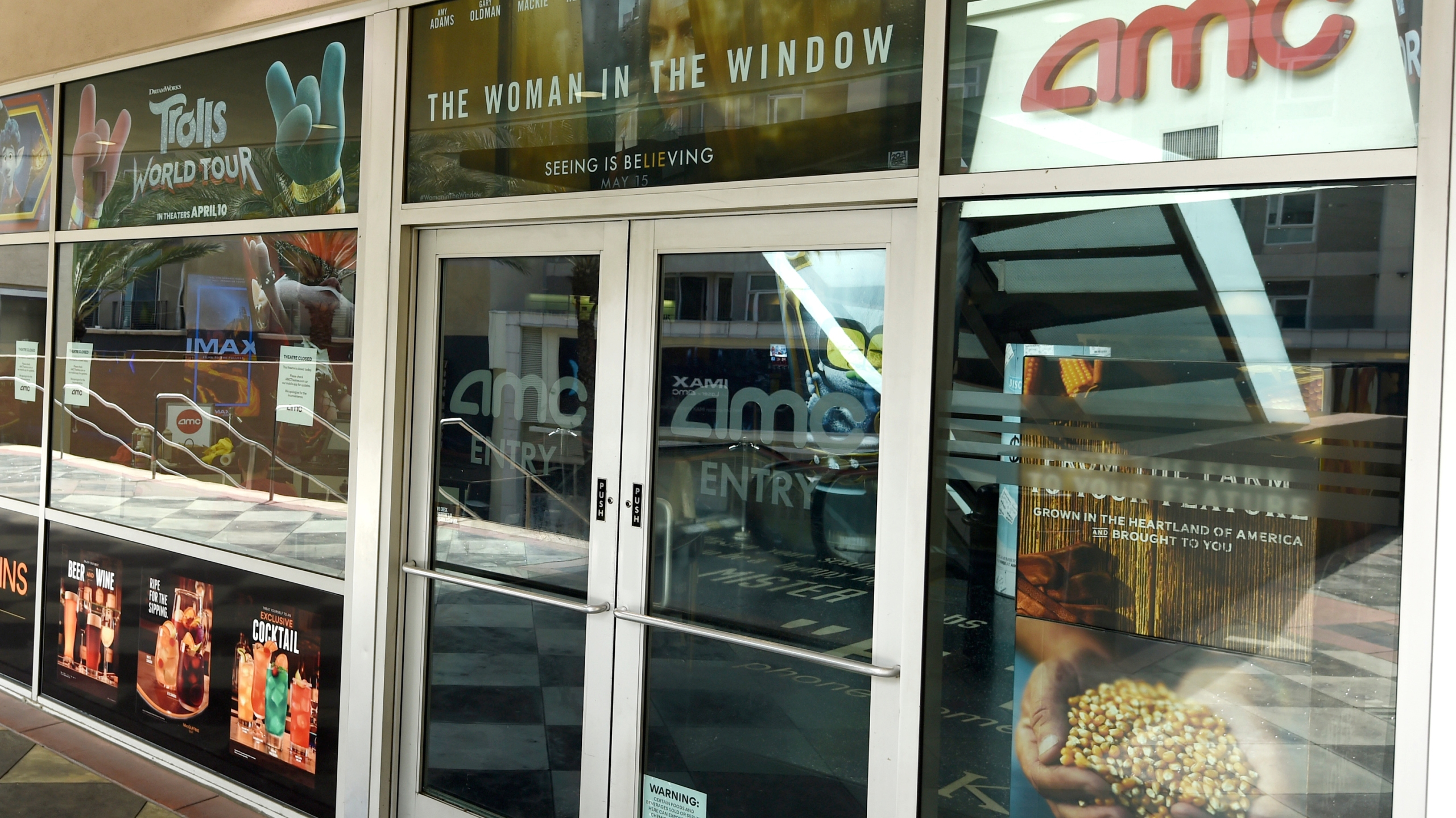 Amc Universal Agree To Shrink Theatrical Window To 17 Days Abc27
