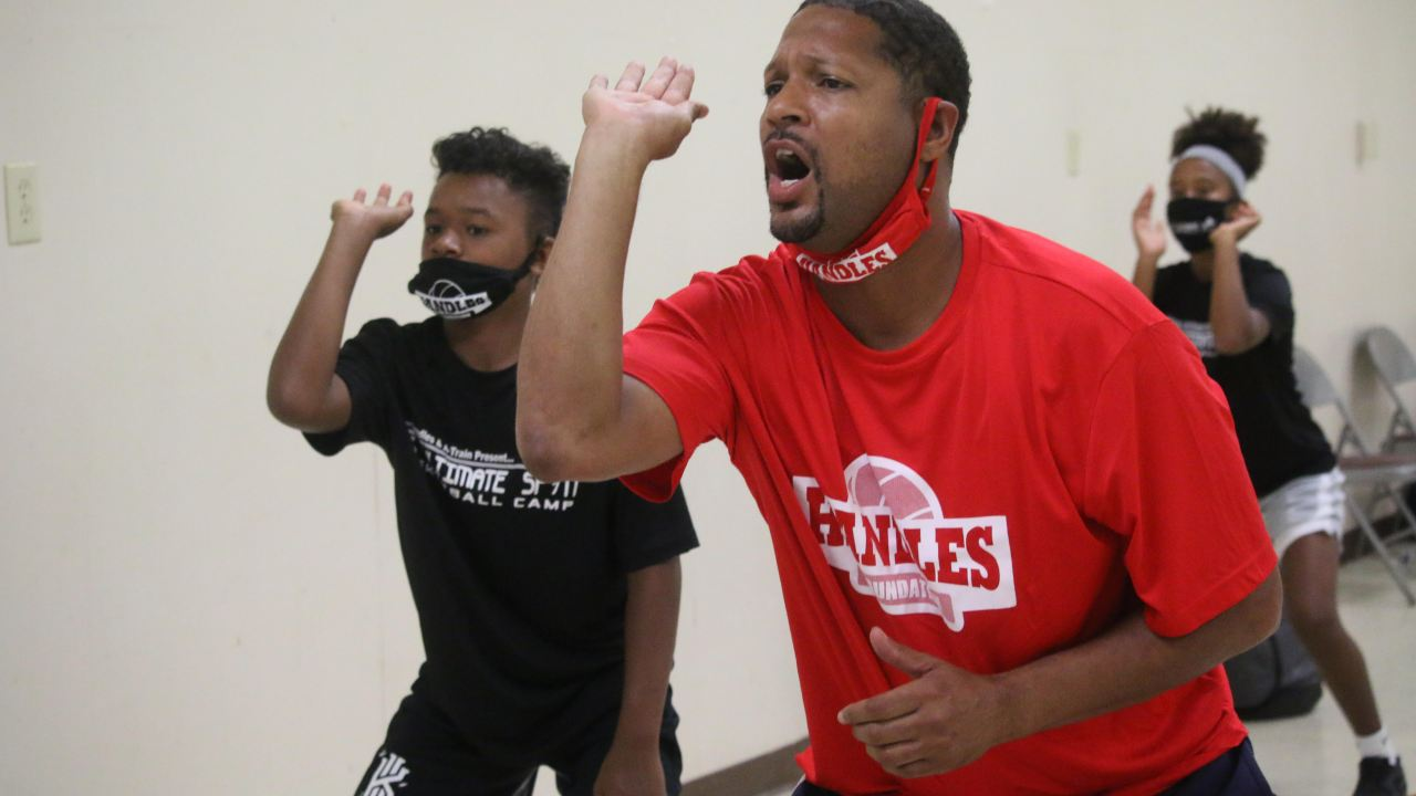Harlem Globetrotter Chris 'Handles' Franklin hosts annual basketball camp in Susquehanna Township