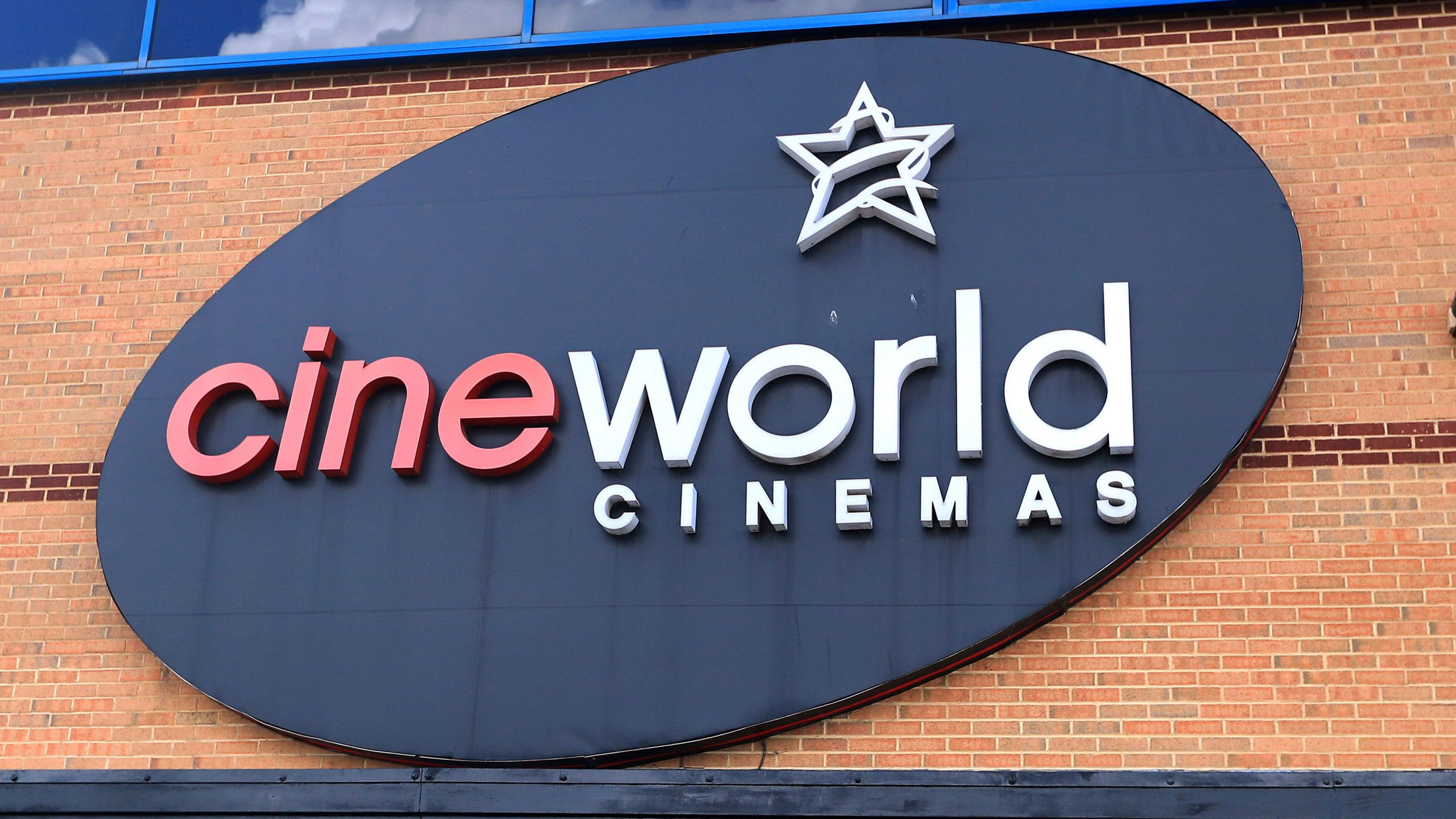 hundreds of regal cineworld movie theaters to close abc27 hundreds of regal cineworld movie theaters to close abc27