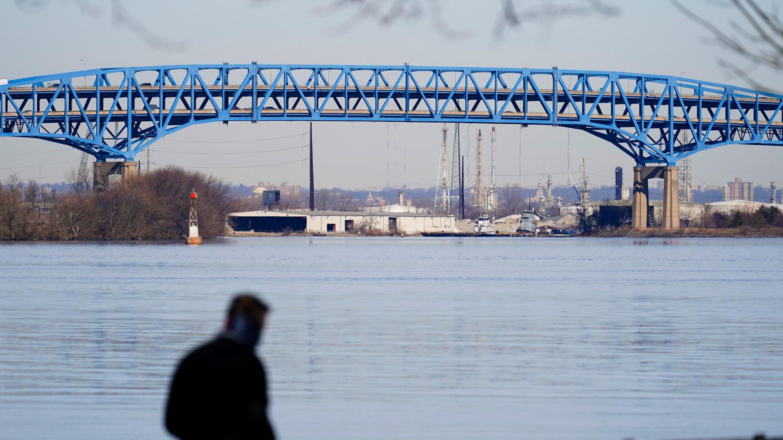 Pa. Senate OKs bill to halt Wolf's bridge tolling plan